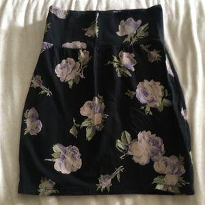 Aritzia Talula Stretchy Floral High Waisted Skirt